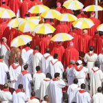 Papa elenca palavras essenciais à vida do apóstolo e entrega palio a arcebispos